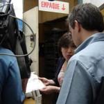 La Directora de Kables, Cecilia Casulo, explica la importancia de los planos técnicos para la confección de los cables.