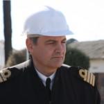 El jefe de Diques de la Armada, Cap. de Navío Alejandro Leopold.
