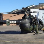 Helicóptero de la Armada pronto para realizar un vuelo sobre la Laguna del Sauce