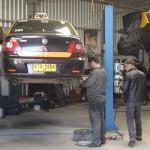 Para hacer su actividad más rentable, COTACA y otras 3 cooperativas de taxistas montaron un taller mecánico cooperativo emplazado en el Polo Tecnológico Industrial del Cerro.