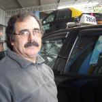 Ricardo Mantarás es taximetrista desde hace 30 años. Su jornada laboral arranca a las 4 de la mañana y termina a las 3 de la tarde.