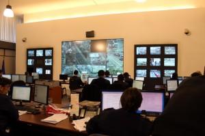 Las oficinas del Centro de Comando Unificado del Ministerio del Interior donde se centraliza la videovigilancia y la respuesta del 9 1 1.