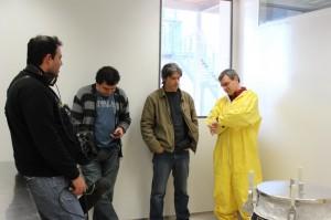 Ante sus compañeros de tevé Ciudad, Castro, Mechoso y Cardona, el conductor del programa se pregunta cuándo será la hora de sacarse  el mameluco.