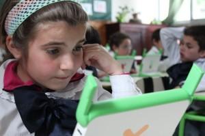 Mediante un algoritmo, la Plataforma Adaptativa de Matemática (PAM) propone a los niños ejercicios de matemáticas adecuados a su nivel, adaptándose al ritmo de aprendizaje de cada uno.